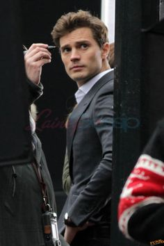 Jamie Dornan is really hot on the set of Fifty Shades Of Grey ...