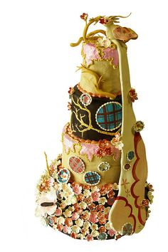 """This is a gorgeous and innovative #WeddingCake. I love this. #UniqueCake """"Tokyo Pop wedding cake"""""""
