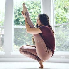 @lamise in the #AloYoga High Waist Goddess Legging #yoga #inspiration