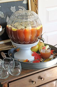 Fall Favorite- Apple Cider Punch and Giveaway Delicious Apple Cider Punch recipe, perfect for a Thanksgiving crowd Thanksgiving Punch, Holiday Punch, Thanksgiving Recipes, Fall Recipes, Holiday Recipes, Fall Punch Recipes, Holiday Ideas, Fall Cocktails, Fall Drinks