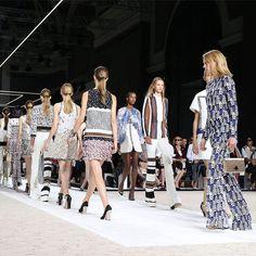 Zum Ende des Modemonats haben wir uns nach den sieben wichtigsten Trends für die Frühjahr/Sommer Saison 2015 umgeschaut. Hier gibt's die Zusammenfassung!