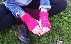 Hey, I found this really awesome Etsy listing at https://www.etsy.com/ca/listing/200275605/red-cable-gloves-for-female-delicate