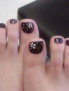 Flower pedicure I'm gonna do this on Cheri's black toe polish! Flower Pedicure, Pedicure Nail Art, Flower Nail Art, Toe Nail Color, Toe Nail Art, Nail Colors, Toenail Art Designs, Pedicure Designs, Pedicure Ideas
