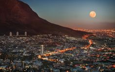 Full moon over Cape Town city bowl - Table Mountain at the right - South Africa Cape Town South Africa, South Korea, Table Mountain, Lonely Planet, Belle Villa, Africa Travel, Places To See, Travel Destinations, Africa Destinations