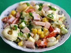 "Mój mąż i syn nazywają ją sałatką ""full wypas"" :) Pasta Salad, Pesto, Potato Salad, Tortellini, Salads, Potatoes, Favorite Recipes, Cooking, Ethnic Recipes"