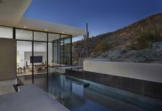 Gallery of House in Sabino Springs / Kevin B Howard Architects - 4