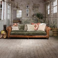The Constable range is handcrafted in the UK using the finest leathers and materials. Beautifully designed to give a classical yet modern feel. The sofa collection is sophisticated, soft and luxuriously comfortable. Living Room Update, Living Room Sofa, Sofa Upholstery, Fabric Sofa, Tetrad Sofa, Couch Makeover, Office Sofa, Diy Sofa, Vintage Sofa