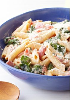 Creamy Spinach & Pasta Skillet – Cream cheese, diced tomatoes and garlic give this quick, easy spinach and pasta skillet its creamy sauce and terrific flavor.