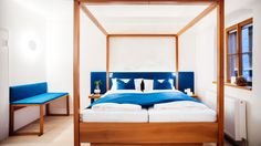 In the centre of the UNESCO World Heritage site Hallstatt lies the Hallstatt Hideaway with breathtaking views of Lake Hallstatt Hallstatt, Bavaria, The Good Place, Modern Design, In This Moment, Luxury, Bed, Furniture, Home Decor