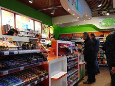 8 | por Minale Tattersfield Roadside Retail