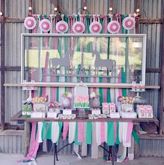 Rustic Horse Themed Birthday Party @Sarah Chintomby Chintomby Nasafi Grayce #laylagrayce #blog #birthdayparty