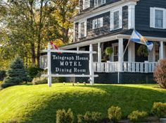 Telegraph House Motel Baddeck (Nova Scotia) This Baddeck, Cape Breton Island property is just 500 metres from Alexander Graham Bell National Historic Site. An on-site dining room and rooms with en-suite bathrooms are featured. Places To Travel, Places To See, Cabot Trail, Adventure Of The Seas, Mini Vacation, Cape Breton, Find Hotels, Nova Scotia, Historical Sites