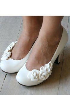 http://www.elblogdeboda.com/wp-content/gallery/zapatos-novia-chie-mihara-2012/irene-3.jpg