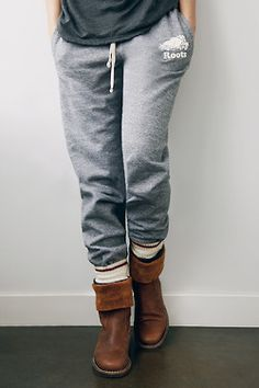 Salt and Pepper Sweatpants, Cabin Socks and Tribe leather Roll Over Boots. Roots Sweatpants, Sweatpants Style, Sweatpants Outfit, Winter Outfits, Casual Outfits, Cute Outfits, Lazy Outfits, Simple Outfits, College Outfits