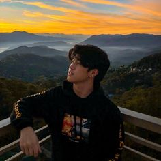 Here is Ranz Kyle's Height, Weight, Age, Body Statistics. See his girlfriend's names and entire biography. New Dance Video, Dance Videos, Ranz Kyle, Endorsed Brand, Logan Paul, Social Media Stars, Prank Videos, Dance Lessons, Youtube Stars