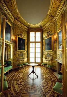 Royal castles and palaces in Europe - SkyscraperCity