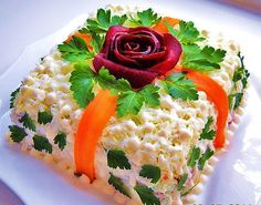 Great Salad Presentation for a Garden Party! Lots of other salad recipes on this site too. Salad Presentation, Sandwich Cake, Food Garnishes, Food Decoration, Food Themes, Food Crafts, Food Humor, Cute Food, Appetizers For Party