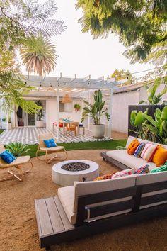 The Mindwelling: Our Colorful California Backyard Reveal – Studio DIY - Modern Fire Pit Backyard, Backyard Patio, Backyard Landscaping, Backyard Ideas, Patio Ideas, Landscaping Blocks, Patio Stone, Landscaping Ideas, Flagstone Patio