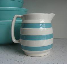 Vintage Irish Carrigaline Pottery by RediscoveredRetro on Etsy Vintage Dishware, Vintage Items, Irish Pottery, Turquoise Kitchen, Shades Of Turquoise, Cottage Chic, Country Kitchen, Kitchen Ideas, Mid Century