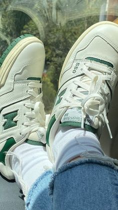 Dr Shoes, Swag Shoes, Hype Shoes, Me Too Shoes, Zapatos New Balance, New Balance Shoes, Green New Balance, Sneakers Fashion, Fashion Shoes