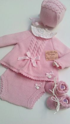 Rosa Baby Knitting, Crochet Baby, Baby Accessories, Kids And Parenting, Baby Dress, Girl Outfits, Winter Hats, Amelia, Clothes