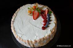 Tort Diplomat cu piscoturi si frisca reteta clasica. O reteta veche de sarlota de vanilie cu frisca, coji confiate de portocala si stafide inmuiate in rom