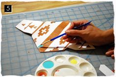 diy | customized envelope cell phone case (painted native print)