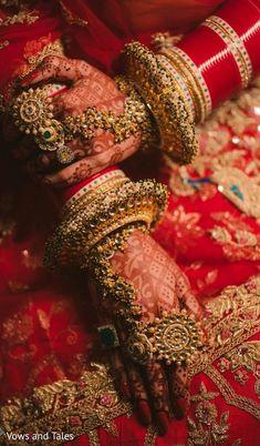 A bridal jewellery Bridal Jewellery Inspiration, Indian Bridal Jewelry Sets, Bridal Bangles, Indian Bridal Outfits, Indian Bridal Fashion, Indian Wedding Makeup, Bridal Dresses, Bollywood Stars, Bridal Looks