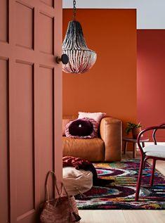 Urban Industrial Decor Tips - Terra cotta kleuren in je interieur geven een warm gevoel Warm Home Decor, Cheap Home Decor, Living Room Paint, Living Room Decor, Deco Design, Home Decor Trends, Warm Colors, Neutral Colors, Cozy House