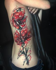 Tattoo artist Tom Petucco, poppies flowers, bright color sketch tattoo with watercolor elements Sketch Style Tattoos, Tattoo Sketches, Arte Trash Polka, Abstract Sketches, Poppies Tattoo, Tattoo Spirit, Cool Tats, Body Mods, Tattoo Artists