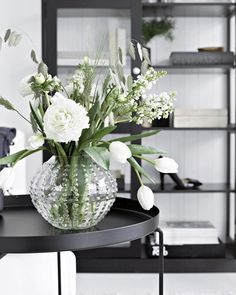Nina HolstさんはInstagramを利用しています:「spring in a vase... // from my Ellos styling - more on my blog #stylizimostyling #stylizimohouse」