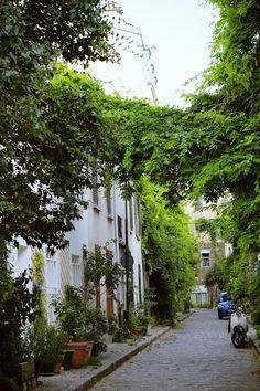 Rue Des Thermopyles, France
