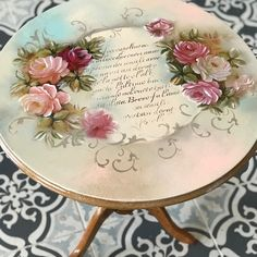 Put mirror in middle Decoupage Wood, Decoupage Furniture, Decoupage Vintage, Hand Painted Furniture, Art Furniture, Shabby Vintage, Upcycled Furniture, Furniture Makeover, Flower Model