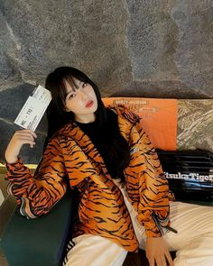 South Korean Girls, Korean Girl Groups, Onitsuka Tiger, G Friend, K Idol, Master Class, Korean Singer, Rapper, Waiting