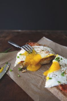 Pan con tomate with fried egg | Kitchy Kitchen