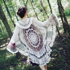 This lacey #woolblend #bellsleeve #mandala #duster #jacket made from #recycled and #handspun yarn still available in my #etsyshop, link in bio. Buy stuff from me! I'm running out of storage space! 😋⭐🌙⚡ #recycledsweatercoat #recycledartist #sweateryarn #mandaladuster #tulipsleeve #handmade #wearableart #boho #festival #wedding #hippies