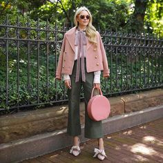 Atlantic Pacific // Velvet bow shoes, olive pants and blush coat Look Fashion, Fashion Outfits, Womens Fashion, Blair Eadie, Atlantic Pacific, Elegantes Outfit, Street Style Looks, Autumn Winter Fashion, Stylish Outfits