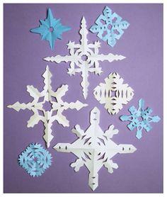 Petits flocons de neige en papier - Bricolages de Noël - Noël Momes.net
