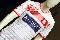 Carpi's 2015-16 home shirt.