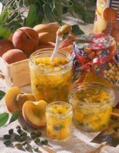 Das Rezept für Pfirsich-Marmelade mit Pistazien und weitere kostenlose Rezepte auf LECKER.de