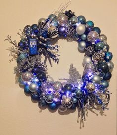 Doctor Who Tardis Wreath #howto #tutorial