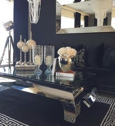 #Repost @sissel100  #classicliving #crazyimport #elegantehjem #classyhomes #livingroom #myhome #finehjem #interiordesign #decor #decorate #interior4all #interor4you1 #interior125 #interior123 #classyinteriors #hem_inspiration #inspire_me_home_decor
