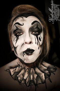 Pierrot Clown Face Paint Body Art Halloween Creepy Scary Easy Halloween Face Painting, Halloween Art, Halloween Makeup, Halloween Decorations, Zombie Face Paint, Clown Face Paint, Haunted House Makeup, Body Makeup, Mime Makeup