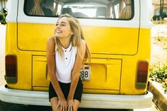 Image about girl in yellow🍋 by naz on We Heart It Teen Photography, Summer Photography, Editorial Photography, Fotografia Social, Book 15 Anos, Good Vibe, Vw T1, Volkswagen Minibus, Summer Aesthetic