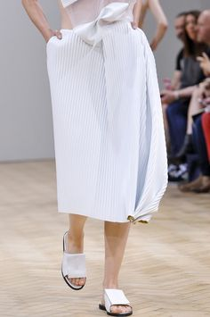 J.W. Anderson SS 2014: a futuristic take on Issey Miyake? Either way, it's brilliant.