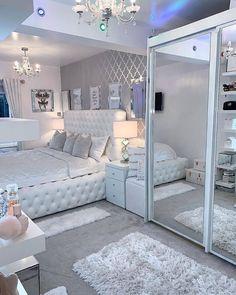 Cute Bedroom Decor, Bedroom Decor For Teen Girls, Room Design Bedroom, Girl Bedroom Designs, Stylish Bedroom, Room Ideas Bedroom, Home Room Design, Bedroom Ideas For Teens, Dream Teen Bedrooms