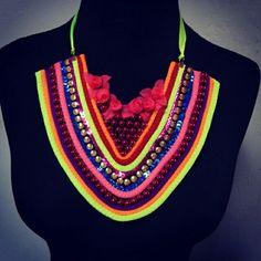 Tenemos los mas lindos y hermoso accesorios de Carnaval Diy Jewelry, Fashion, Handmade Accessories, Handmade Necklaces, Bracelets, Colombia, Hand Made, Health, Trends