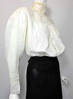 White Gibson girl blouse, this is a real one, it gives a very good idea of the, bringing the excess fabric forward that they did.