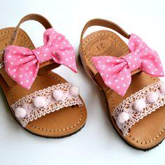 Baby sandal pink bow | Σανδάλια στο jamjar Little Girl Shoes, Cute Baby Shoes, Toddler Girl Shoes, Baby Girl Shoes, Kid Shoes, Girls Shoes, Bling Sandals, Baby Sandals, Kids Sandals