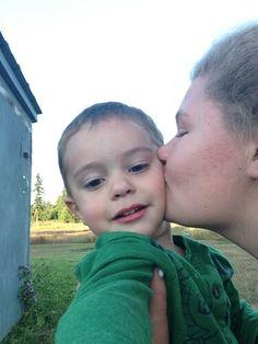 Ivan and jatesa awwwww cute:)